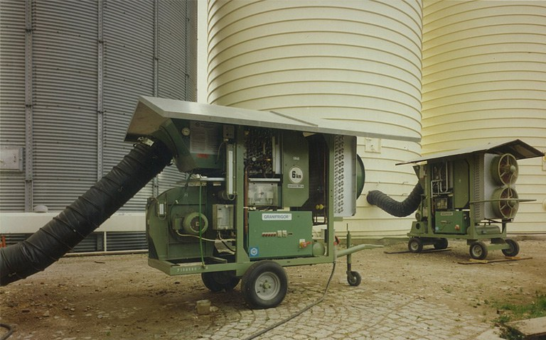 Two GRANIFRIGOR™ KK 60 units at a silo plant